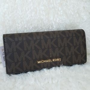 NWT Michael Kors carryall wallet brown signature